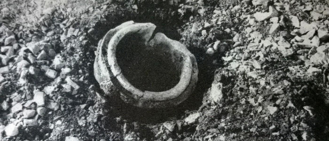 urna cineraria nei pressi della strada romana del Lisert