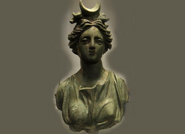 Selene, Luna, al mitreo di Camporosso