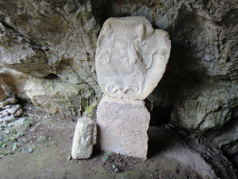 calco presso il Mitreo di Duino; archeologia Italia