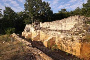 Loron-Santa Marina: strutture della cisterna dell'acqua; Paola Maggi; Renata Merlatti