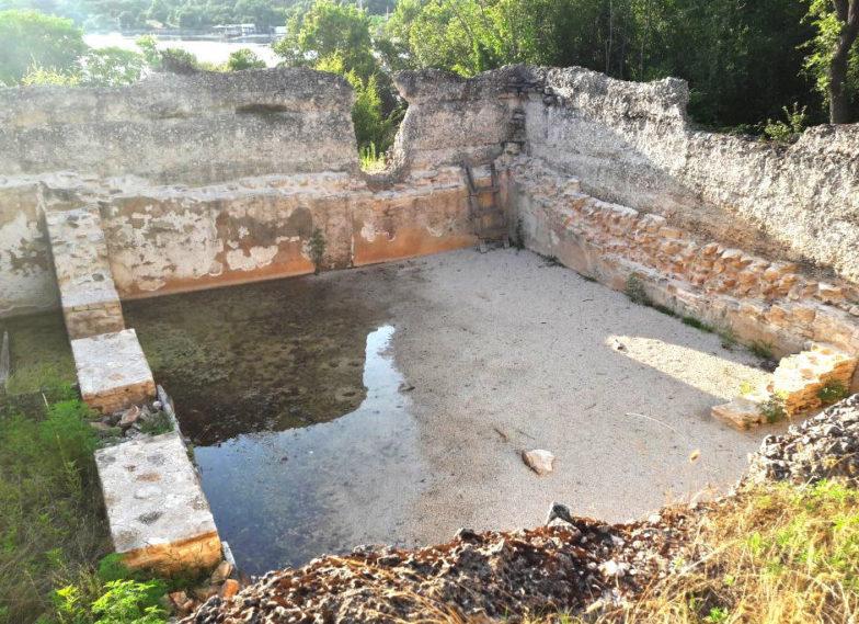 Loron-Santa Marina: la cisterna dell'acqua; Paola Maggi; Renata Merlatti